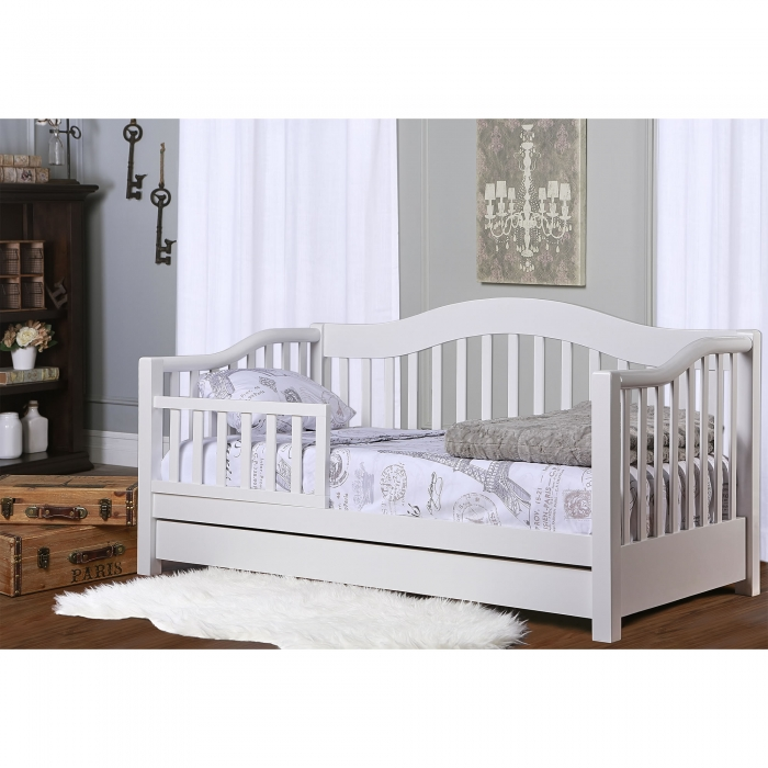 toddler day bed dream on me 15086 | 652 w rmscene1 700x700